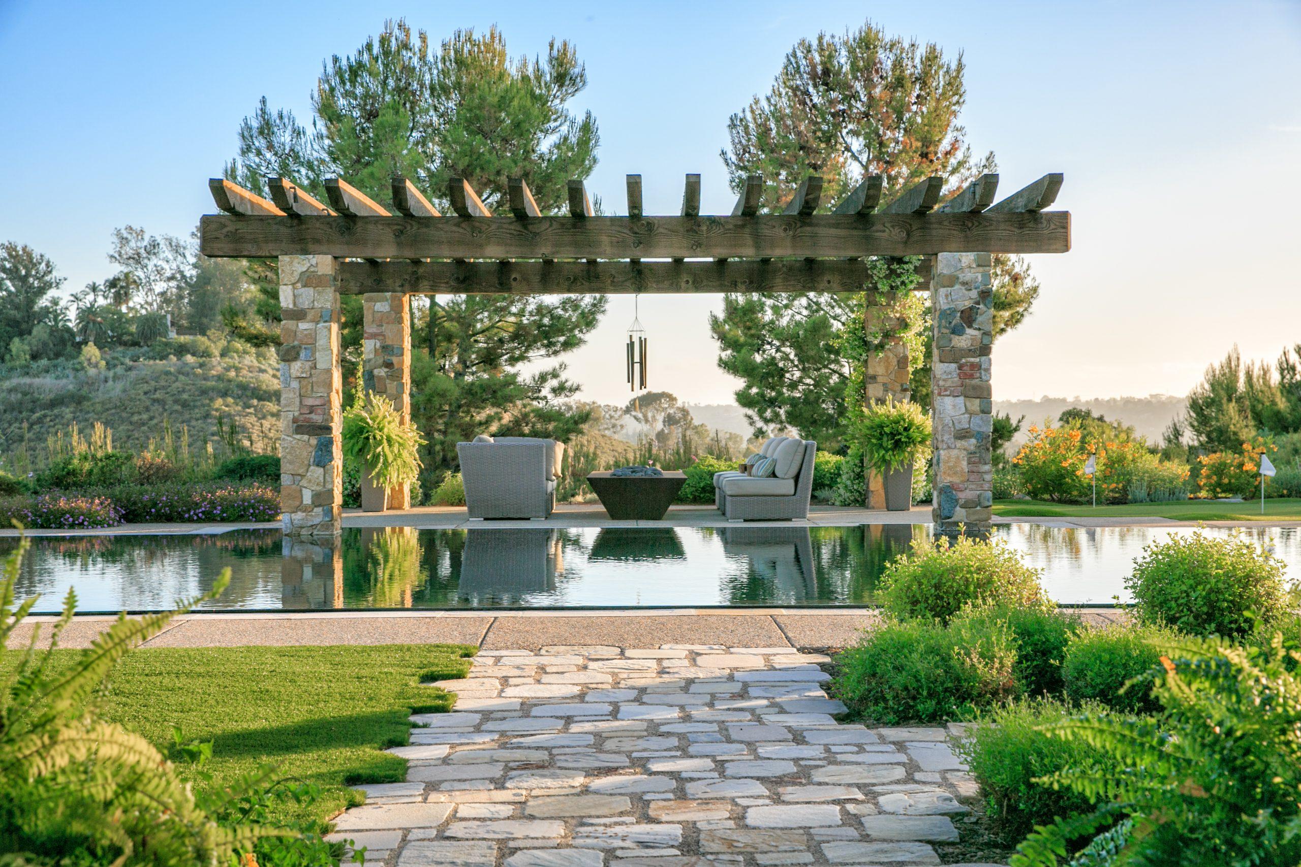 Italian Villa in Encinitas - Wynn-Smith Landascape Architecture